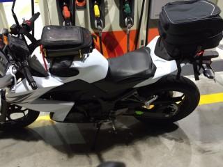 タナックスのシートバッグを装備したZ250